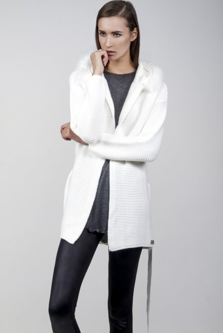 Longline cardigan with fur on the hood and a belt ivory