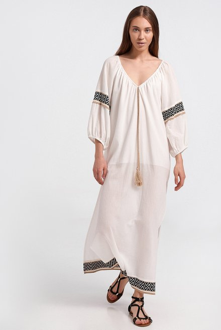 Caftan with zic-zac pattern at the endings