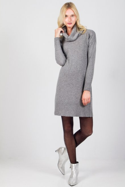 Cashmere dress with turtleneck
